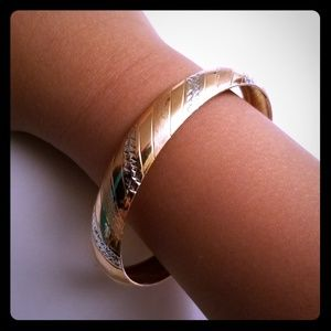 Jewelry - Tri Gold Bangle real Gold10k marked